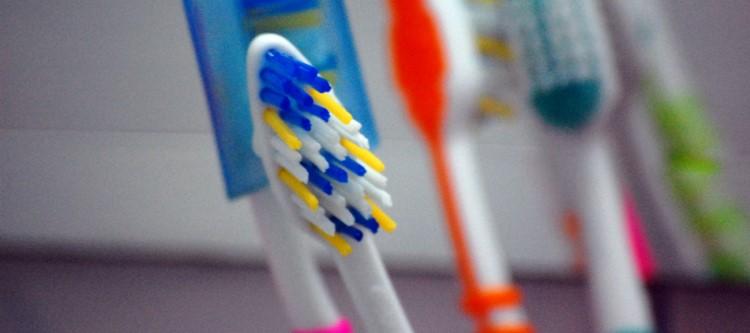 Где лучше купить зубные щетки для брекетов