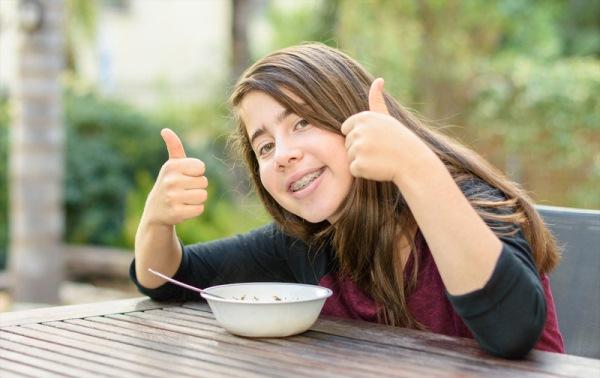 Правильное питание в период адаптации к брекетам