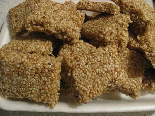 Можно ли включать плотные продукты в рацион питания во время ношения брекетов
