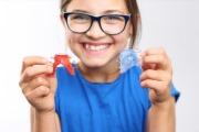 Как лучше выровнять зубы у подростков без брекетов