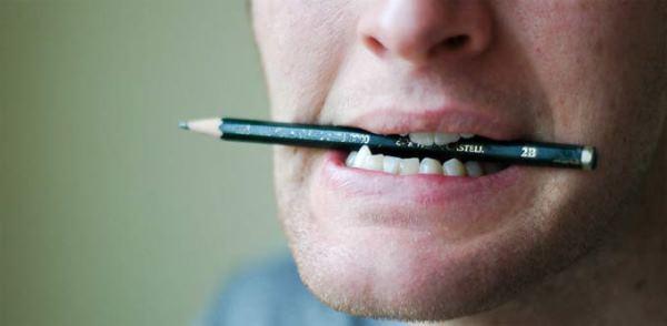 Как выровнять кривые зубы в домашних условиях